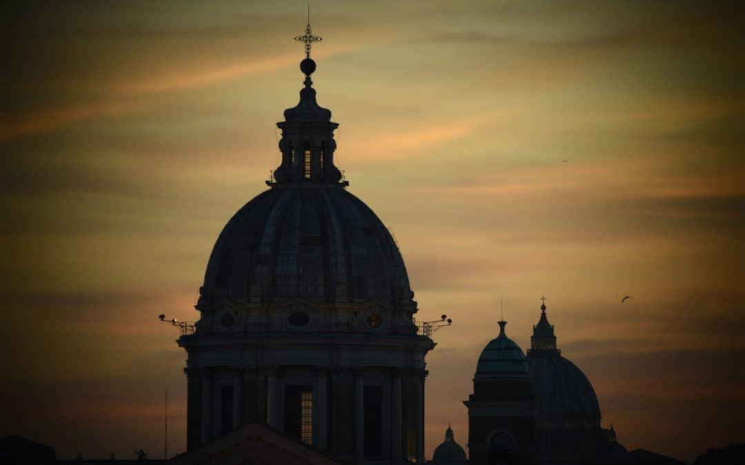 Paven kaller alle kristne til bønn