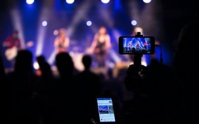 Forlenger ordningen – gratis strømming av gudstjenester