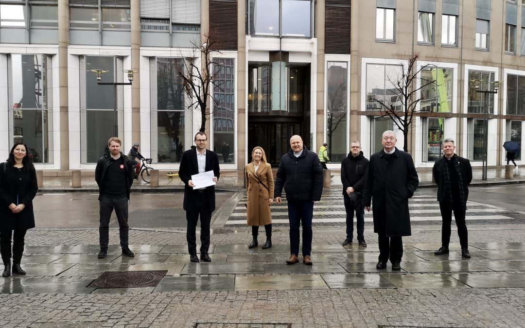 Møtte Ropstad med opprop om oppfordring til en sterk og forpliktende åpenhets- og menneskerettighetslov for næringslivet